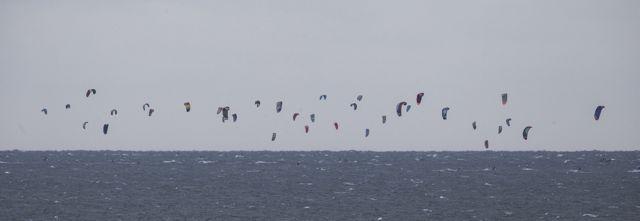 300+ kitesurfers