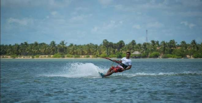 Glenn Kitesurfing in Sri Lanka S2AS